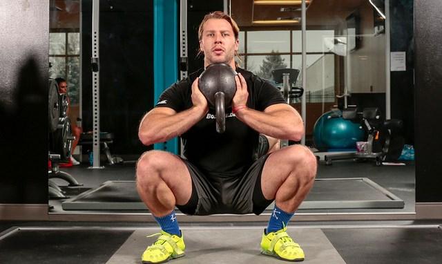 wide-stance-deep-squats.jpg