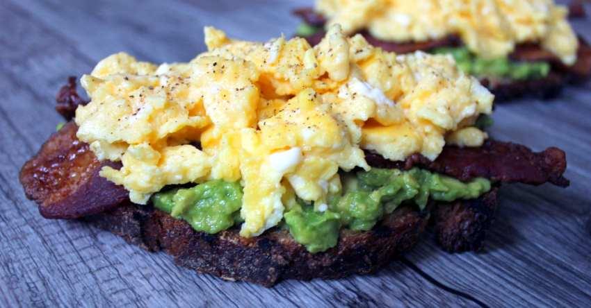 avocado-egg-breakfast